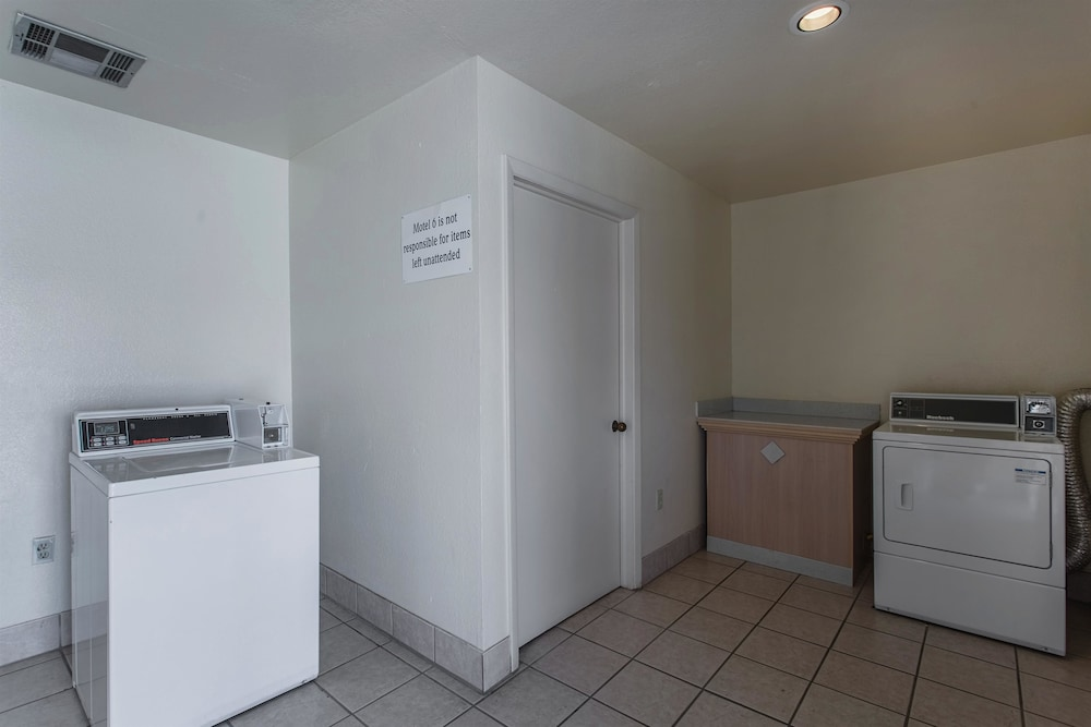 Laundry Room, Motel 6 Lordsburg, NM