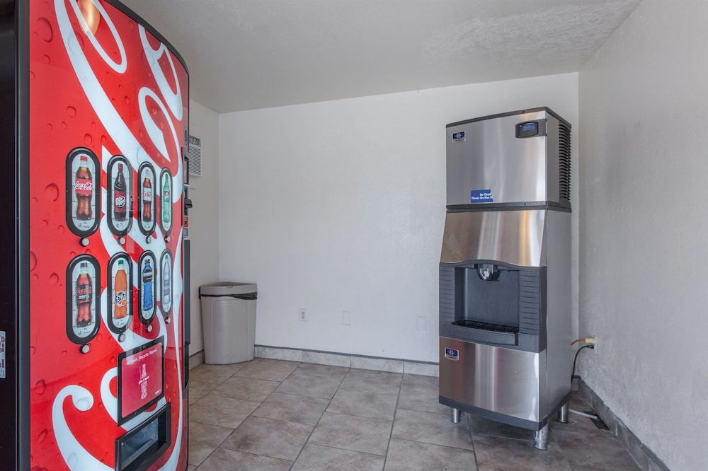 Vending Machine, Motel 6 Lordsburg, NM