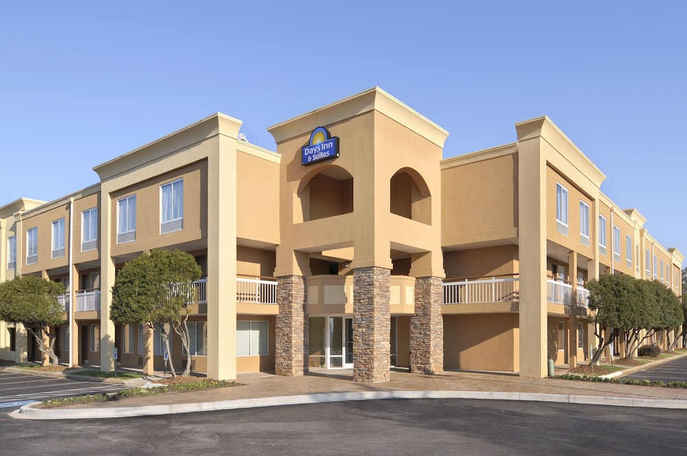 Book Days Inn Greenville Greenville Hotel Deals