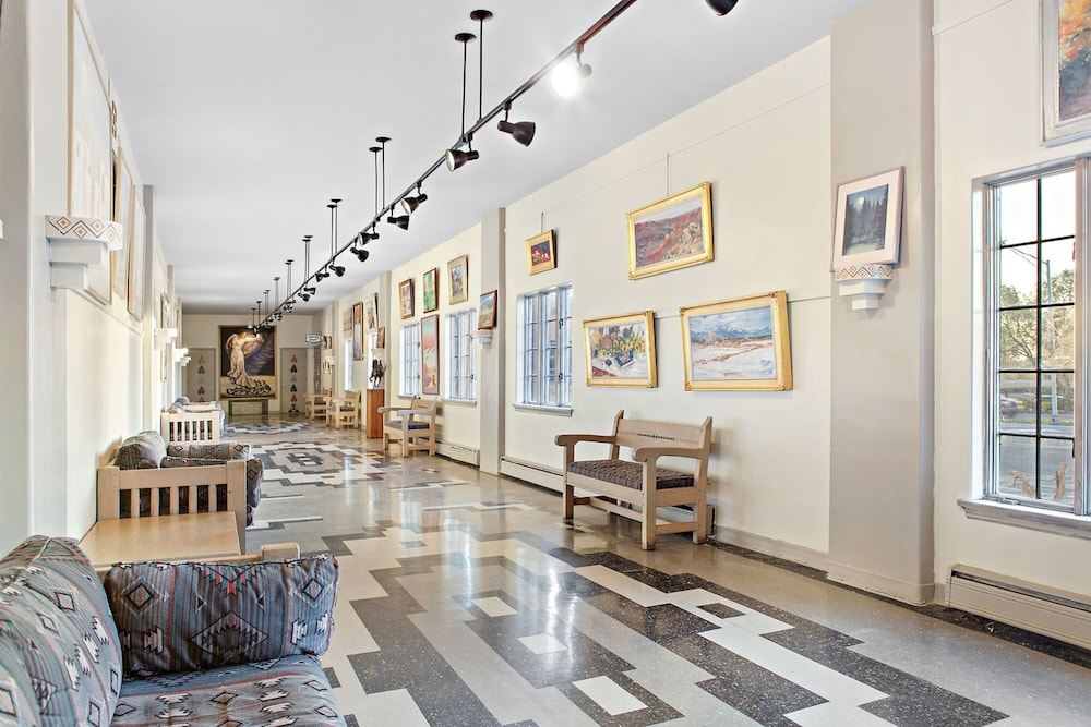 Lobby, Kachina Lodge
