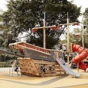 Khu vui chơi trẻ em - Ngoài trời