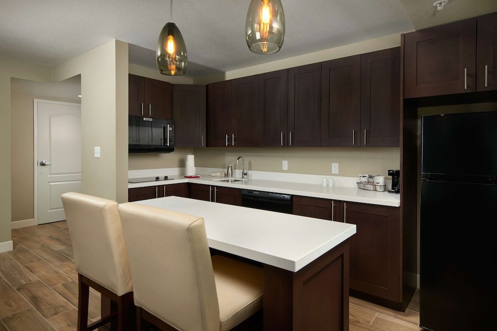 Private Kitchen, Hampton Inn & Suites Scottsdale on Shea Blvd