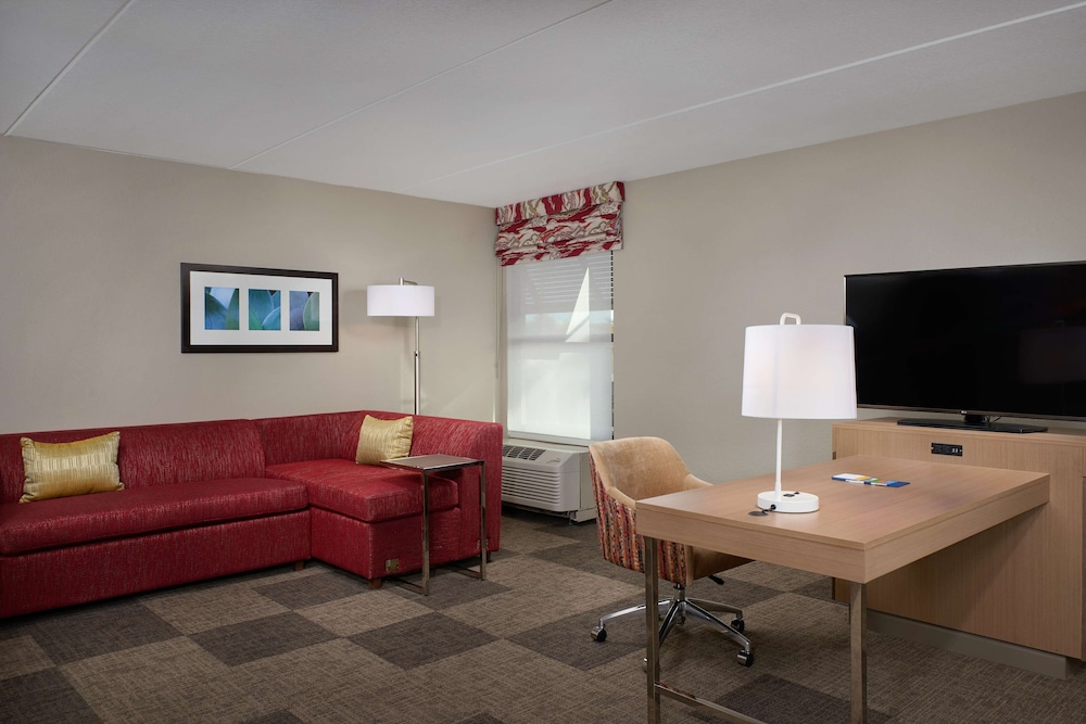 Living Area, Hampton Inn & Suites Scottsdale on Shea Blvd