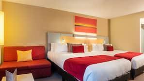 Pillowtop-bedden, een minibar, een kluis op de kamer, een bureau