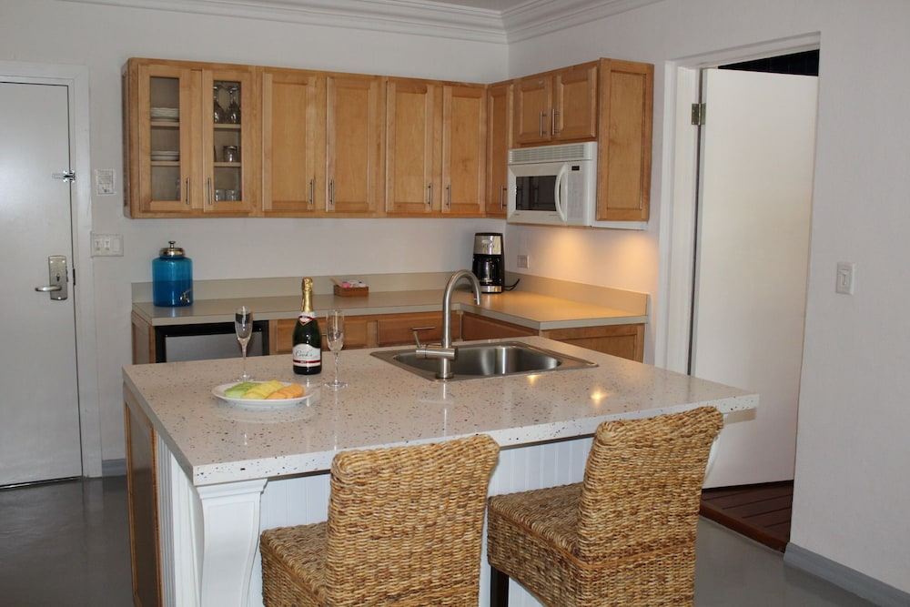Private Kitchenette, Bimini Big Game Club Resort & Marina