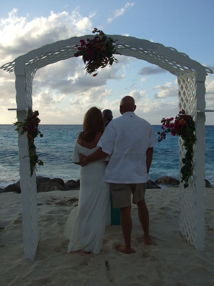 Outdoor Wedding Area, Bimini Big Game Club Resort & Marina