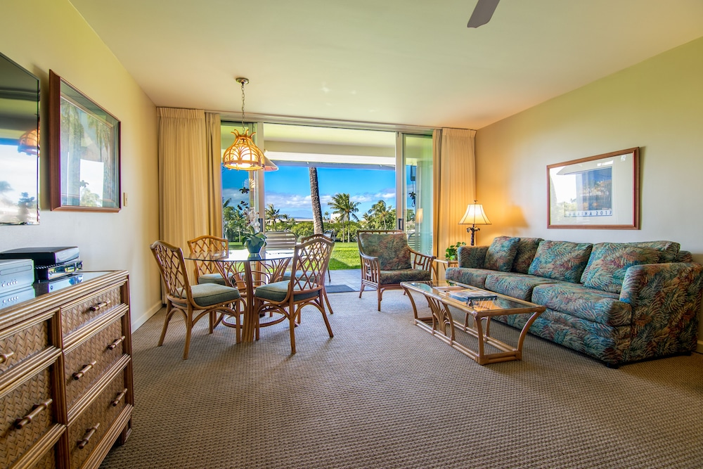 Living Area, Kaanapali Maui at the Eldorado by Outrigger