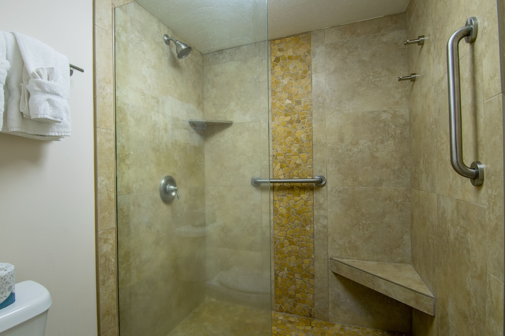 Bathroom Shower, Kaanapali Maui at the Eldorado by Outrigger