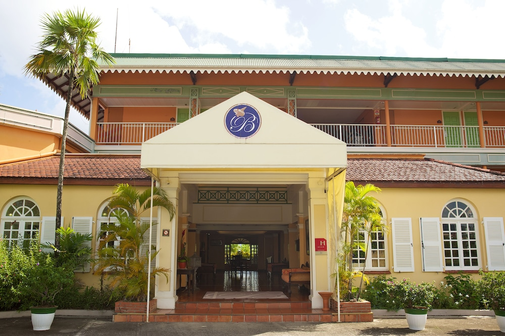 Hotel bakoua les trois ilets in martinique hotel rates for Hotels martinique