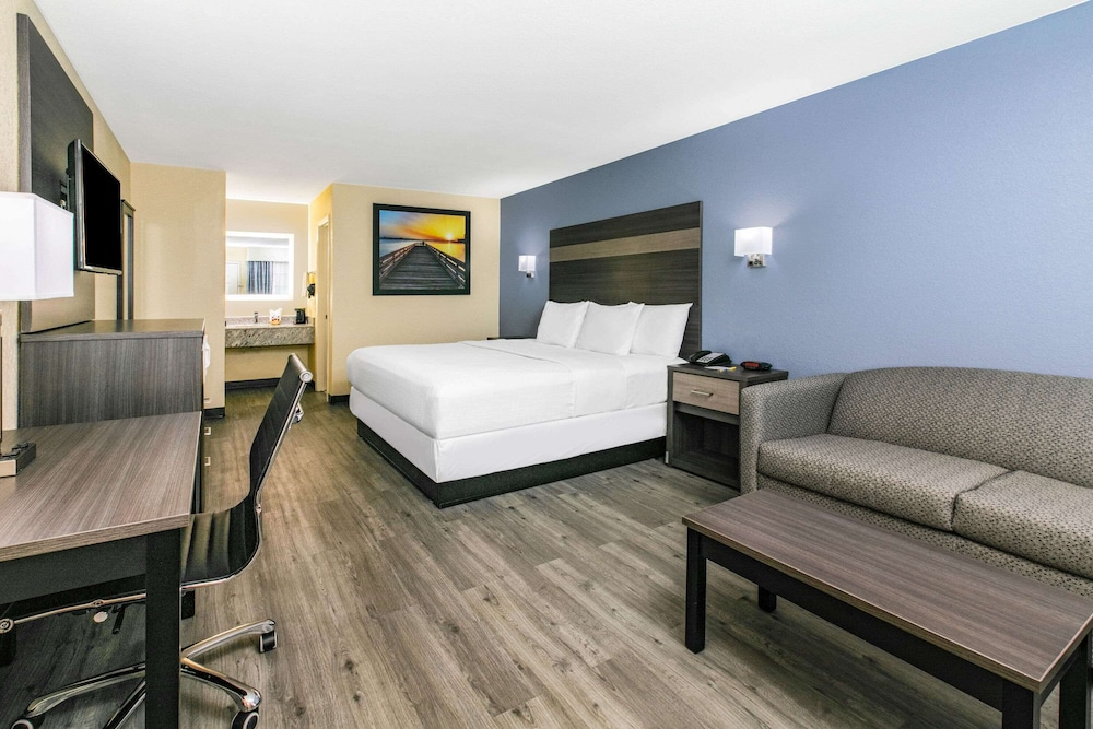 Room, Days Inn by Wyndham Waco