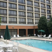Howard Johnson by Wyndham Atlanta Airport