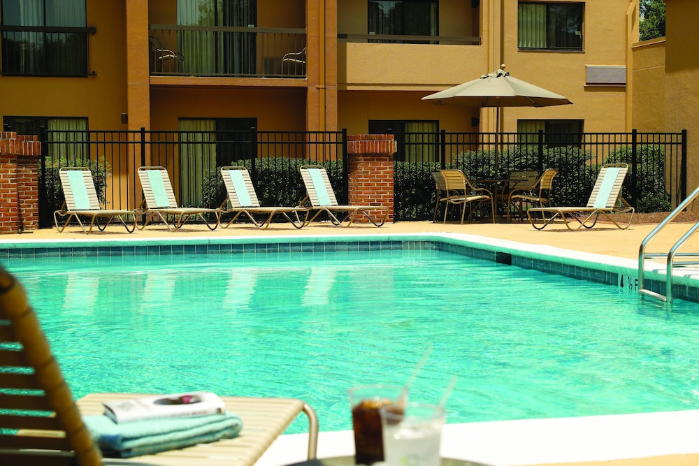 Pool, Courtyard by Marriott - Atlanta Executive Park/Emory