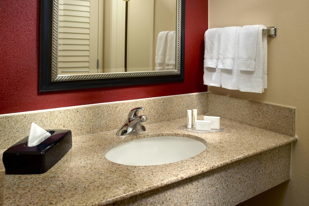 Bathroom, Courtyard by Marriott - Atlanta Executive Park/Emory