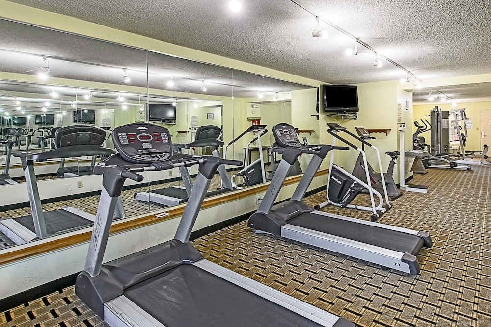 Fitness Facility, Clarion Inn Airport
