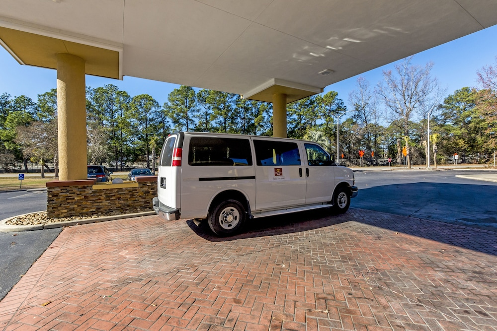 Airport Shuttle, Clarion Inn Airport