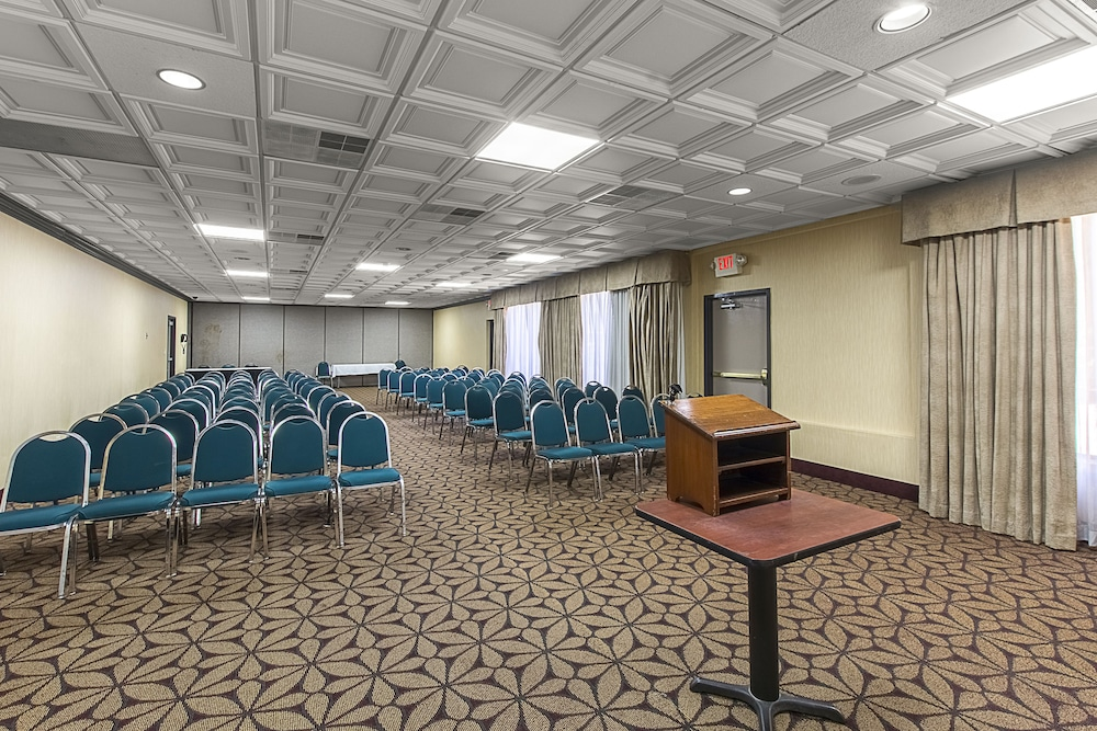 Meeting Facility, Clarion Inn Airport