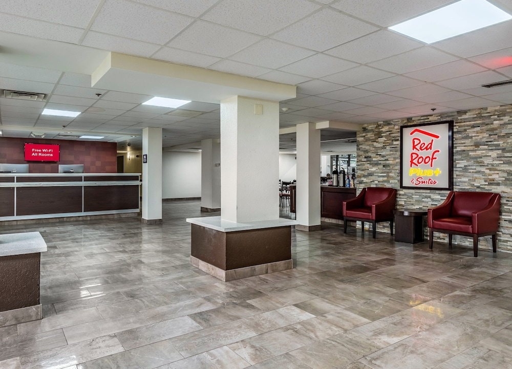 Lobby, Red Roof Inn PLUS+ & Suites Houston – IAH Airport SW