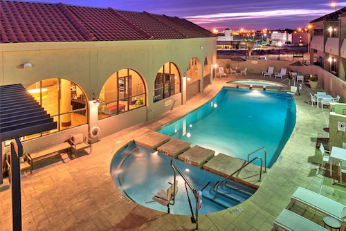 Great Place to stay Holiday Inn El Paso West - Sunland Park near El Paso