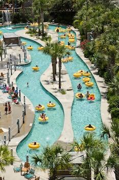 Sand Dunes Resort And Suites