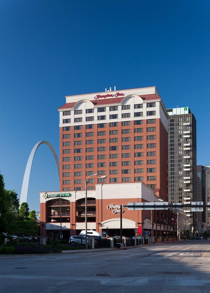 Hampton Inn Gateway Arch Downtown  St  Louis
