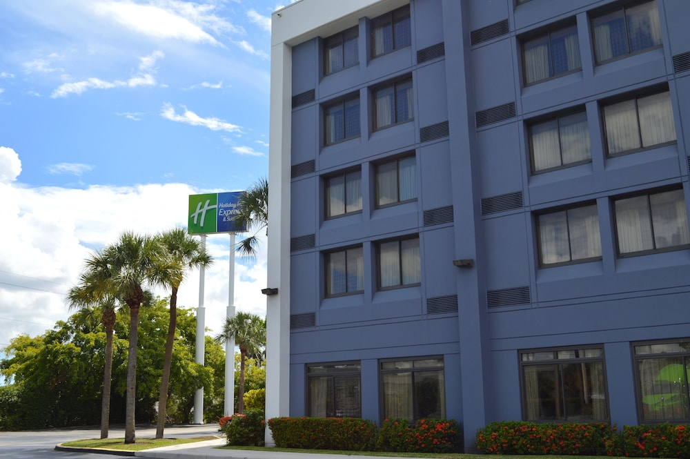 Exterior, Holiday Inn Express & Suites Miami - Hialeah