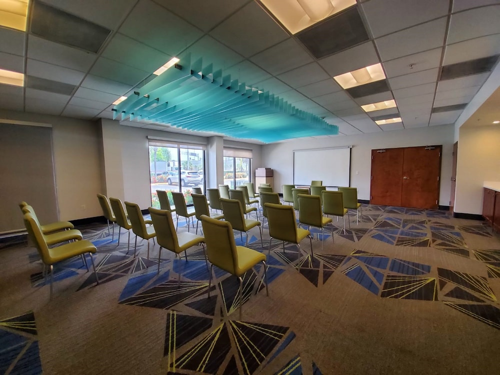Meeting Facility, Holiday Inn Express & Suites Miami - Hialeah