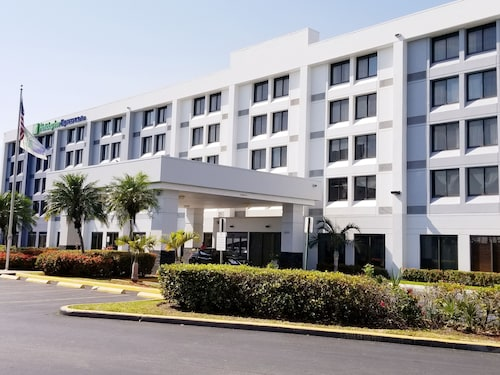 Holiday Inn Express Hotel & Suites Miami-Hialeah -Miami Lake