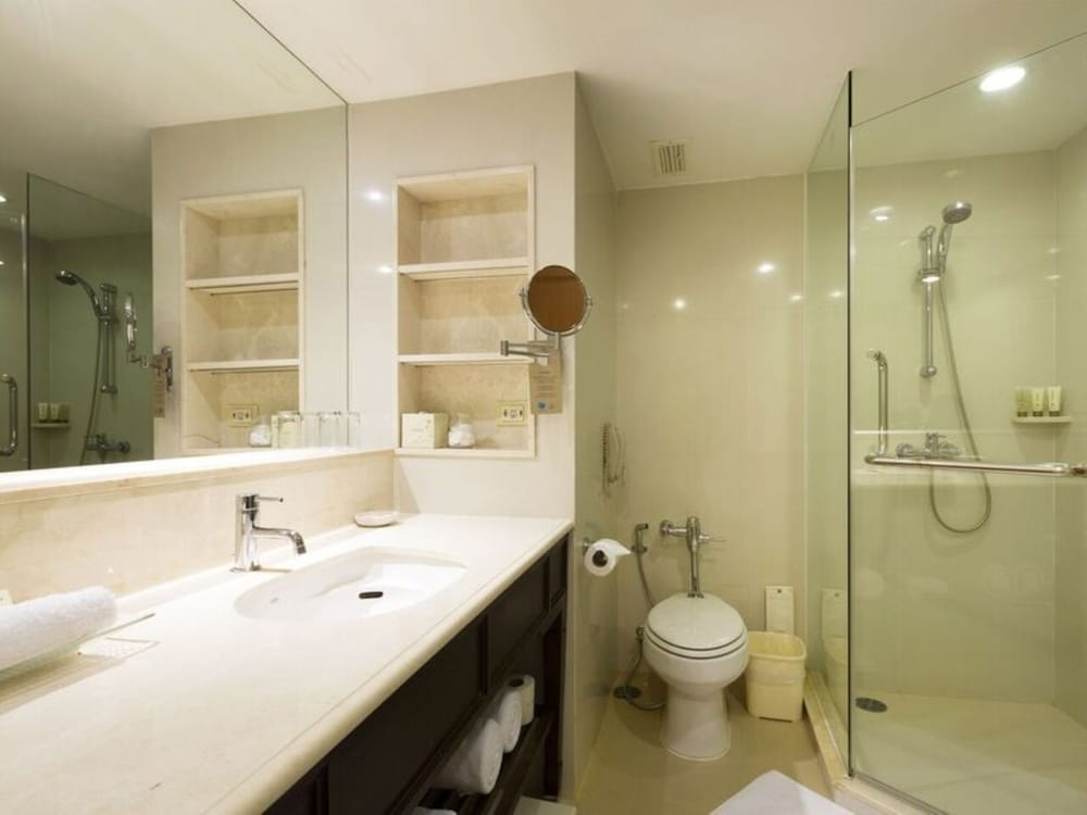 Bathroom, Dusit Thani Hua Hin