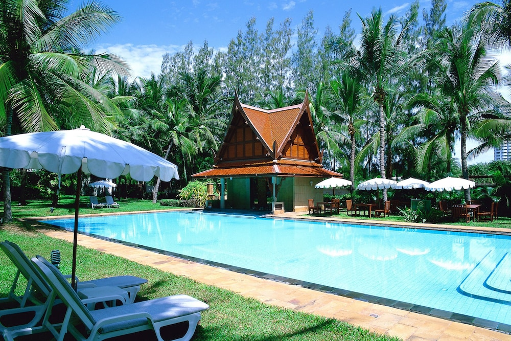Outdoor Pool, Dusit Thani Hua Hin