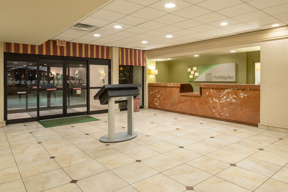 Exterior, Holiday Inn Philadelphia-Cherry Hill