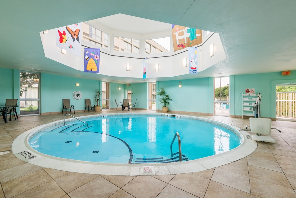 Indoor Pool, Holiday Inn Philadelphia-Cherry Hill