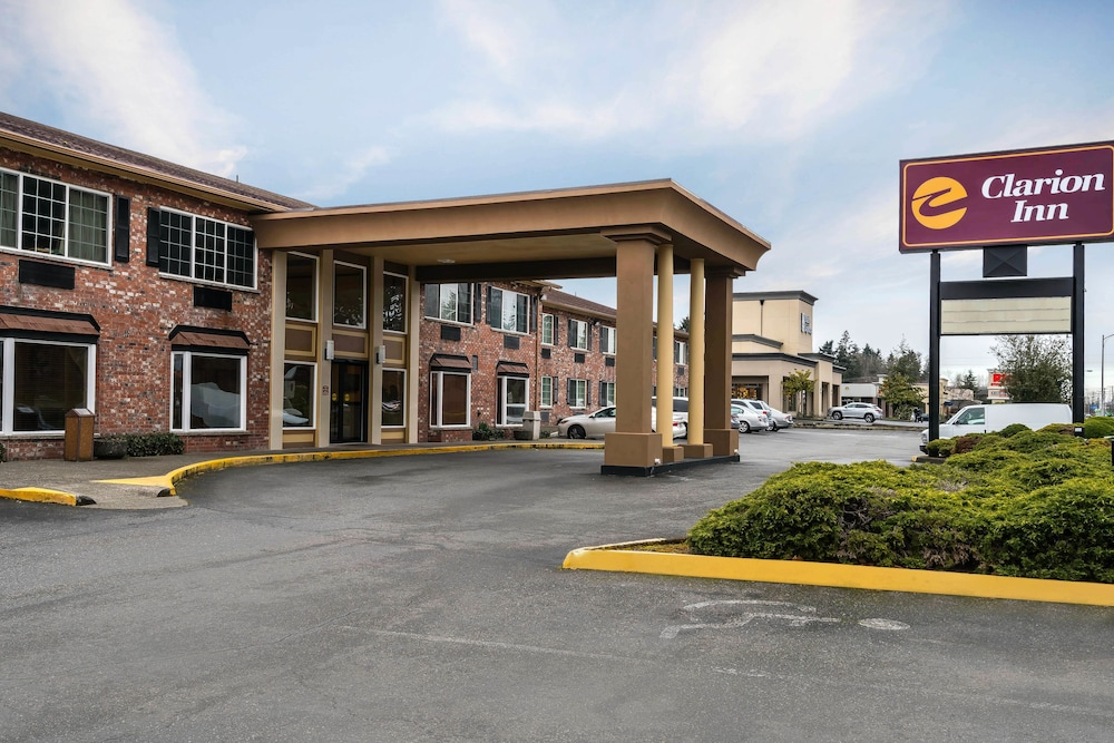 Front of Property, Clarion Inn near JBLM