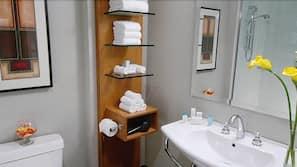 Produtos de toalete de grife, secador de cabelo