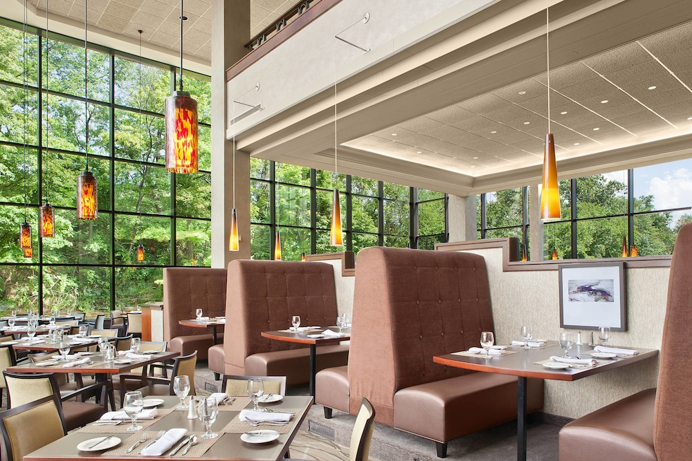 Restaurant, Sheraton Suites Akron Cuyahoga Falls