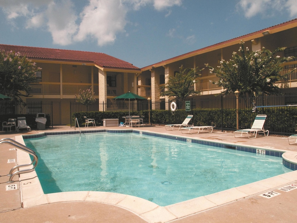 La quinta inn houston la porte in houston hotel rates for Hotels near la porte