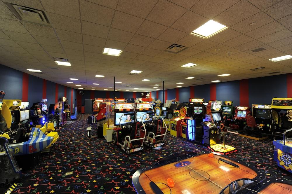Resultado de la imagen para disney all star sport resort Arcades