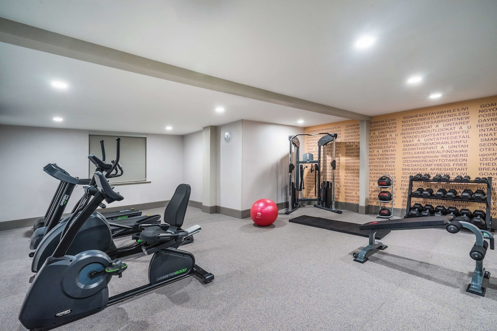 Fitness Facility, La Quinta Inn & Suites by Wyndham Chattanooga-Hamilton Place