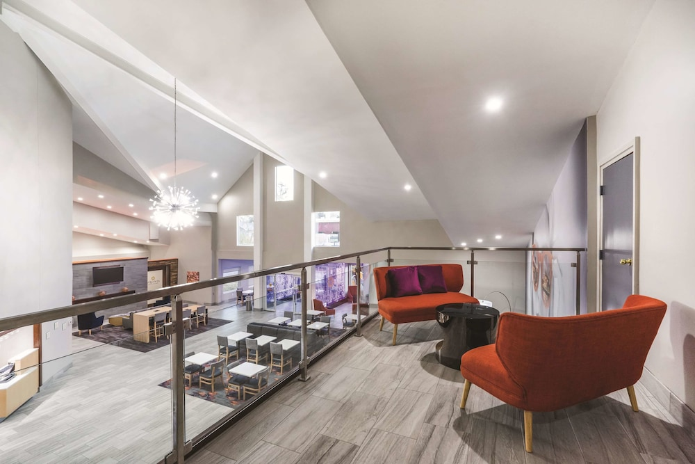 Dining, La Quinta Inn & Suites by Wyndham Chattanooga-Hamilton Place
