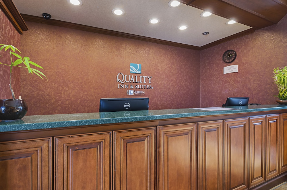 Reception, Quality Inn & Suites Frostburg-Cumberland