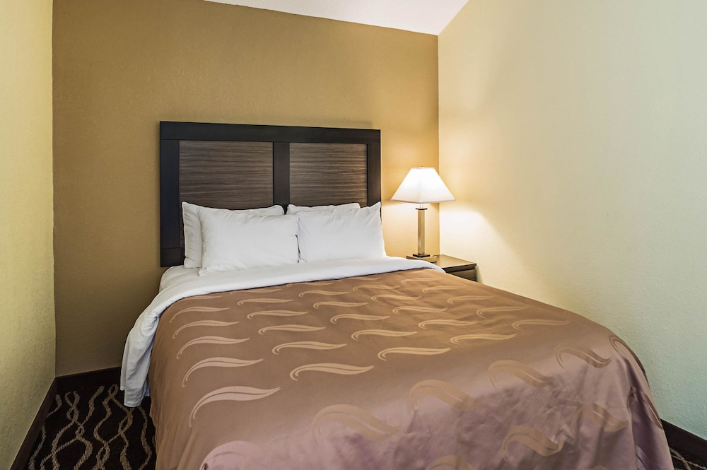 Room, Quality Inn & Suites Frostburg-Cumberland