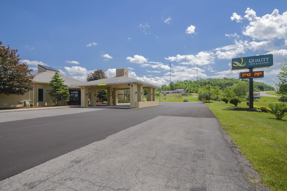 Front of Property, Quality Inn & Suites Frostburg-Cumberland