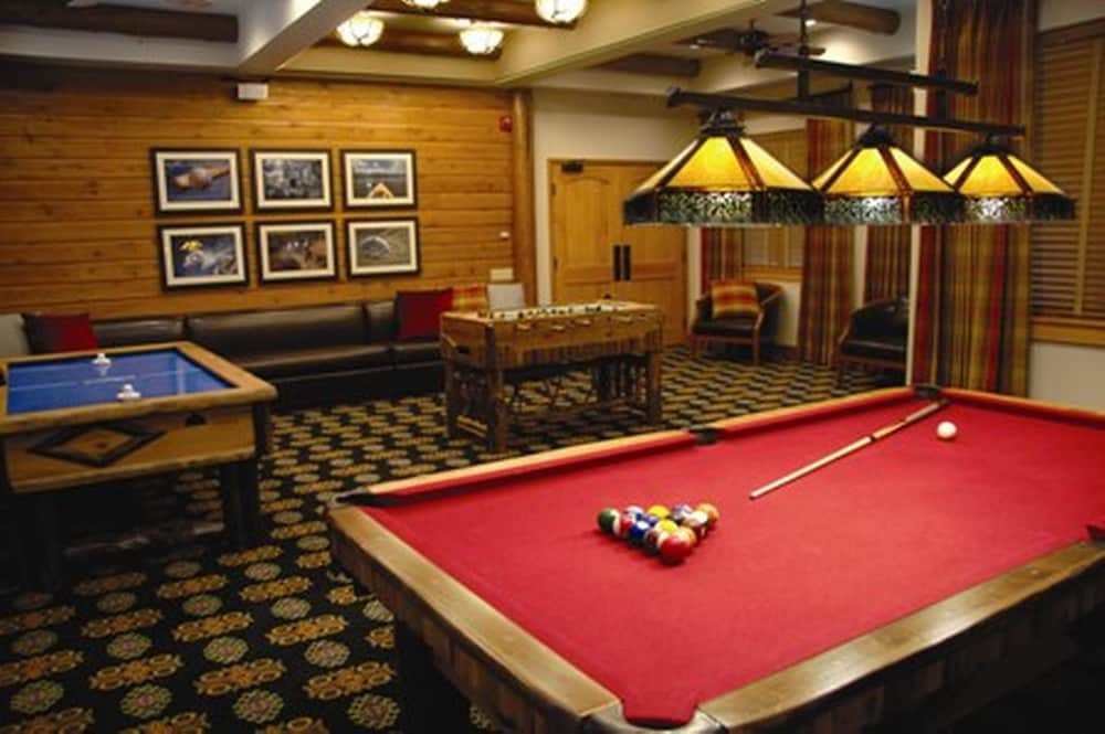 Game Room, Welk Resorts Branson Hotel