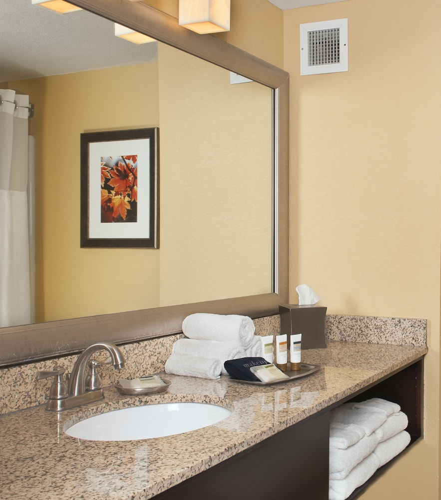 Bathroom Amenities, Welk Resorts Branson Hotel