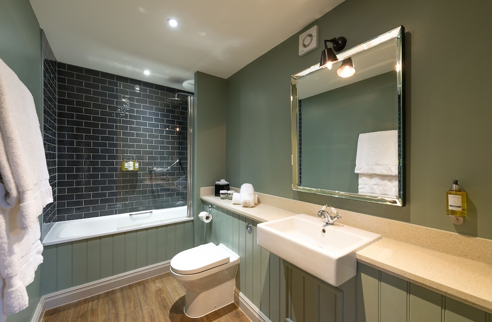 Salle de bain The Crown Manor House Hotel