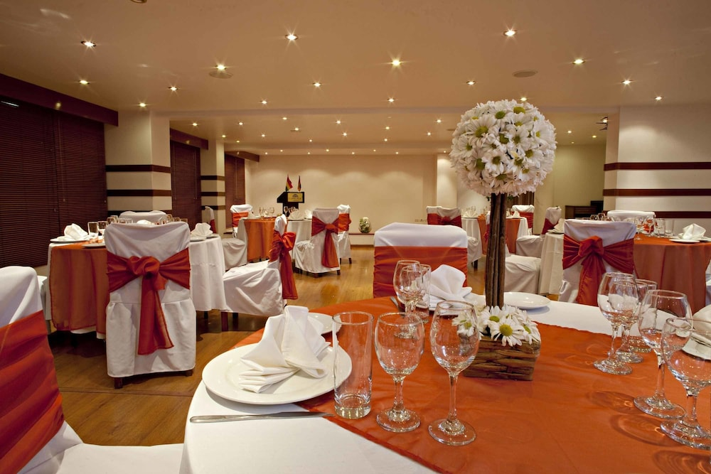 Banquet Hall, Camino Real Aparthotel, Downtown