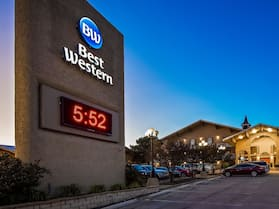 Best Western Sunday House Inn