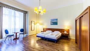 Hypo-allergenic bedding, free minibar, desk, soundproofing