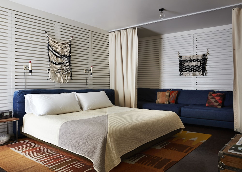 Room, Ace Hotel and Swim Club