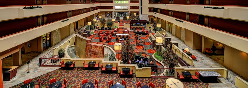 Lobby, University Plaza Hotel and Convention Center Springfield