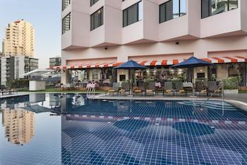 Rembrandt Hotel Bangkok, Member of Warwick Hotels